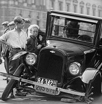 מונית שפגעה ברכב