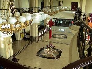 מלון באיכות נמוכה למרות שהוגדר כמלון חמישה כוכבים