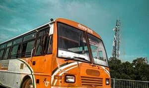 קרב גרסאות לתאונה בין נהג הרכב לנהג האוטובוס