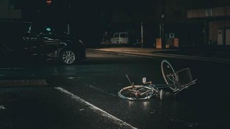 דריסה על ידי רכב תוך כדי החלקה על כביש רכב